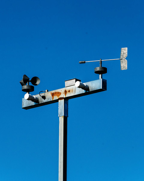 Utilitarian weather vane