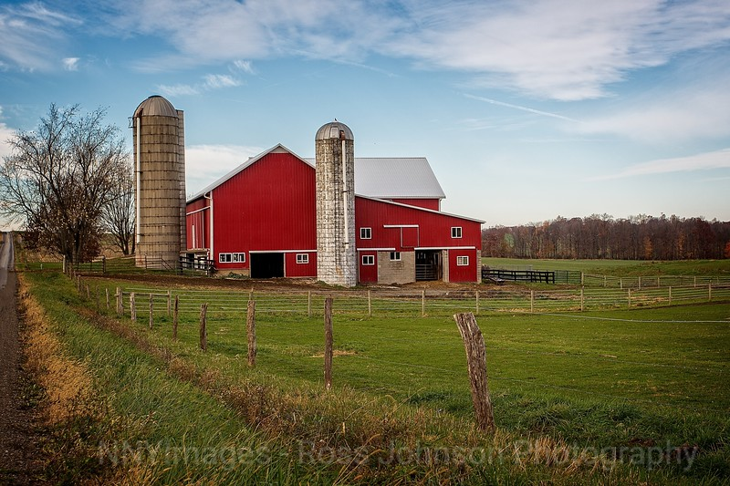 5D312440  Barns in Amish Country-2Mod