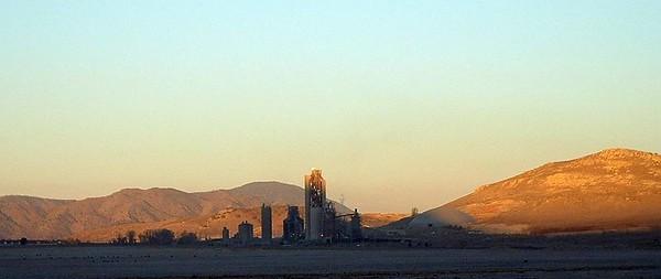 Monolith, a cement processing plant near Tehachapi.  Sunrise,  01 Dec 2004.