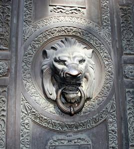 Lion ornament on a door.  San Francisco, 30 Jun 2008.