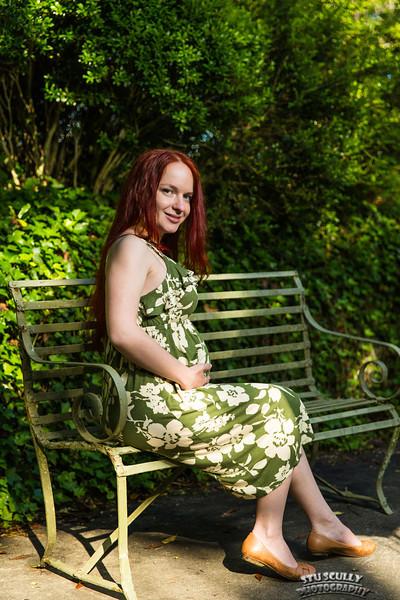 IMAGE: http://www.stuscully.com/Stu-Scully-Photography/Portraits/Natalys-Maternity-Session/i-2gthH6L/1/L/JY0A1030-L.jpg