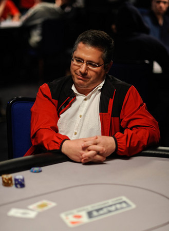 "This pic is taken from the PokerStars blog and was captioned ""Perry Horwich is eliminated by Faraz Jaka.""<br /> <br /> Yah, there is nothing fun about losing."