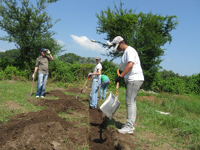 09 10-17  Foundation work for a new 4-plex. First of 4 Saturday workdays with students from the American School of San Salvador.  Micah Whitt