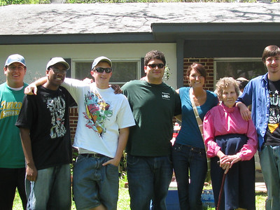 09 04-04 Ms. Mallory with Florida State University Fuller Center Student Builders. bb