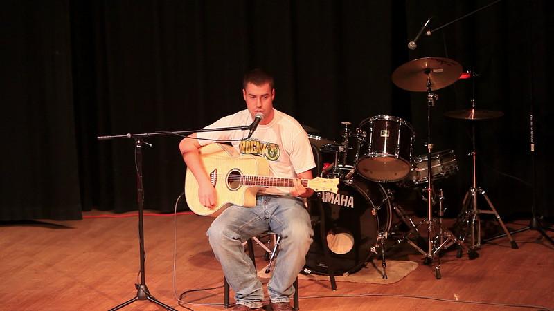 Kenneth Murray singing