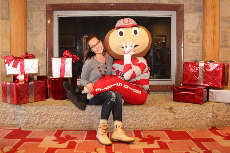 2018 PFW Holiday Pictures With Brutus
