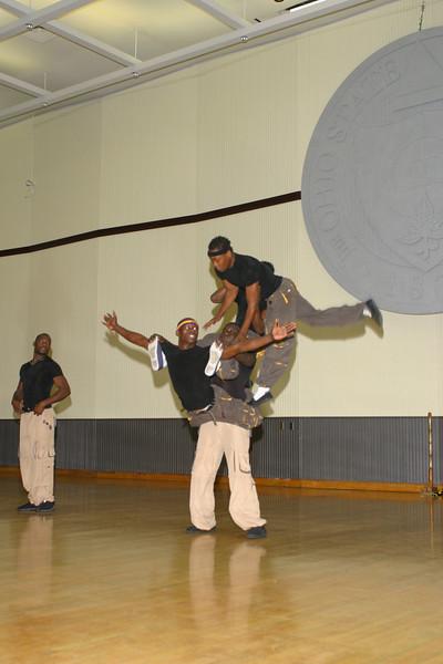2004 Homecoming African Acrobats