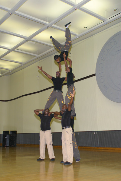 2004 Homecoming African Acrobats