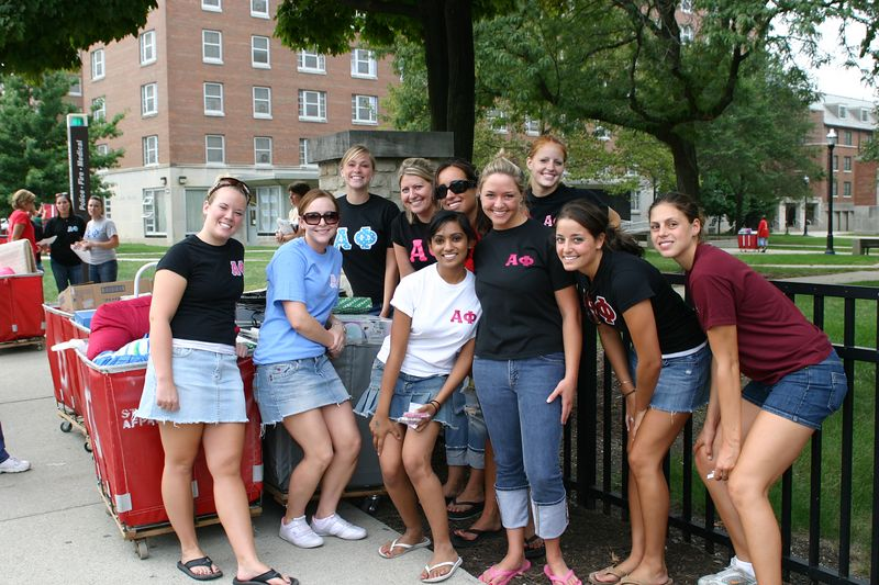 2005 OWL Move-In
