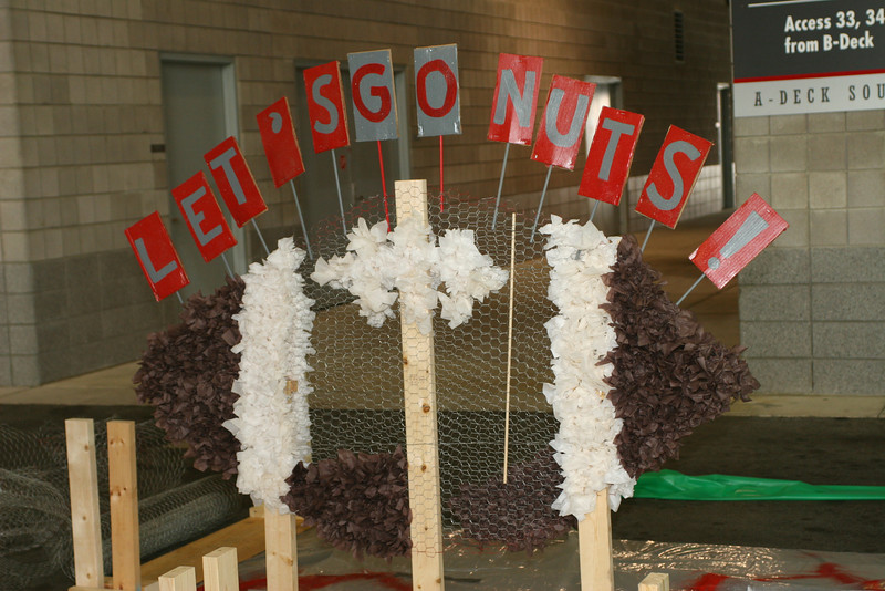 2007 Homecoming Float Construction