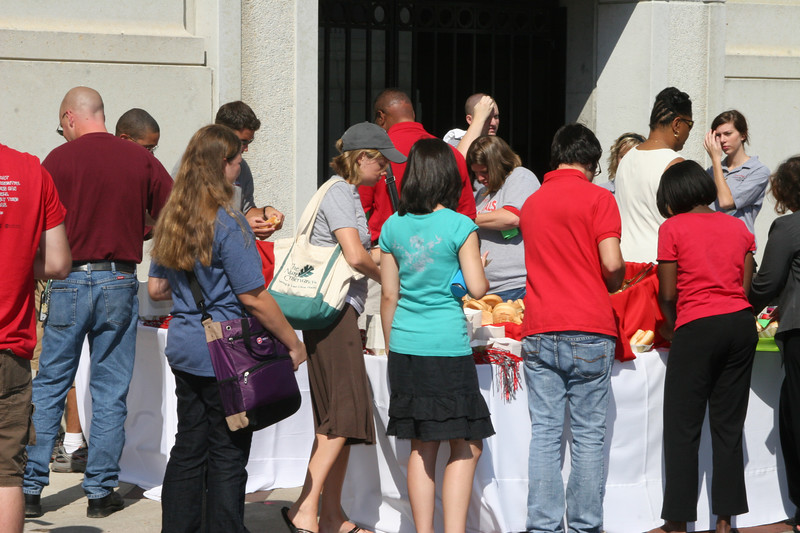 2007 Welcome Week Dime a Dog day at the Shuenion