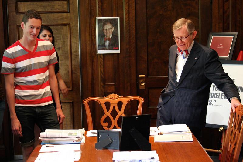 2012 Tour of President's Office