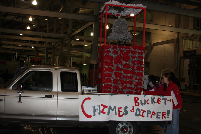 2011 Homecoming Float Construction