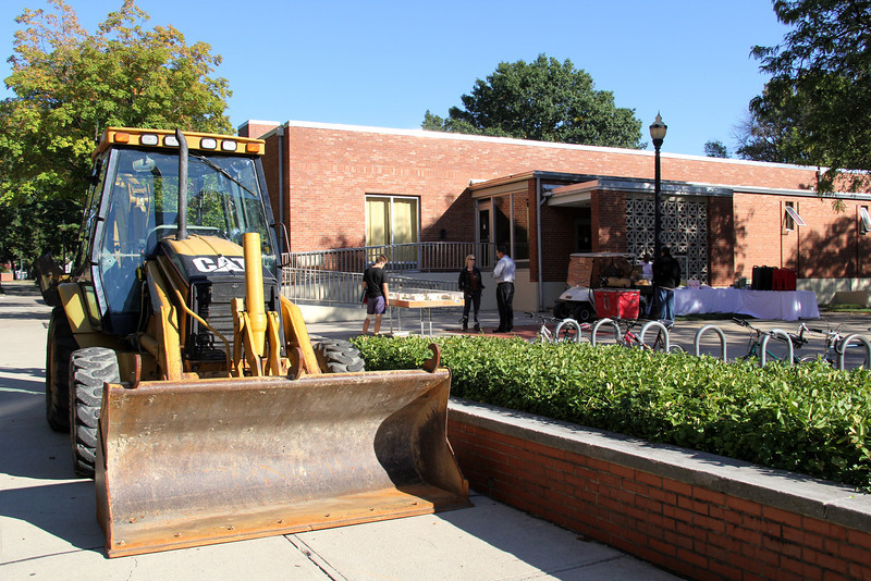2013 Fences Are Popping Up On North Campus