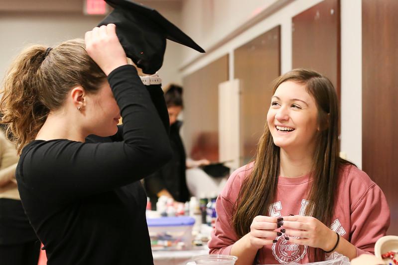 2017 Grad Cap Craft Night