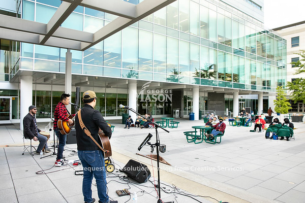 Music on Arlington Plaza