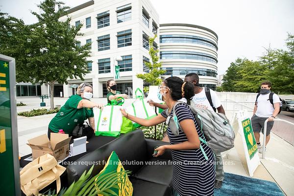University Life Drive-thru Lounge n' Learn at Arlington Campus.  Photo by:  Ron Aira/Creative Services/ George Mason University