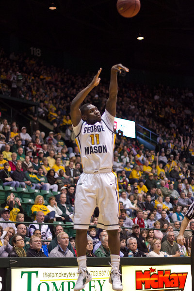 Mason Homecoming 2012 basketball game at the Patriot Center, Fairfax Campus.