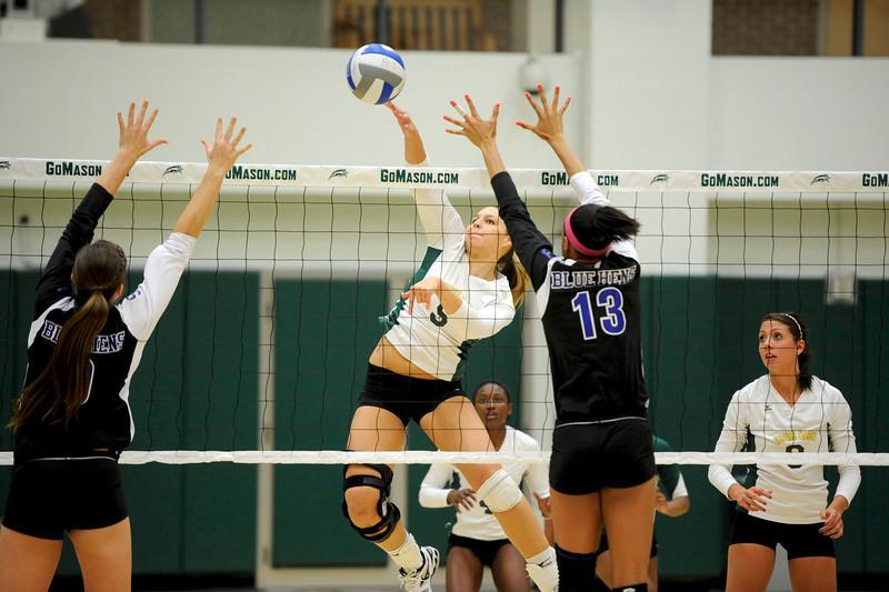 Women's Volleyball vs Delaware