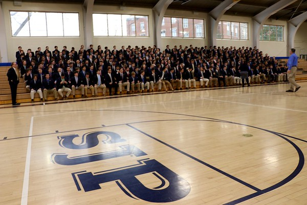 Class of 2017 Senior Picture Candids!