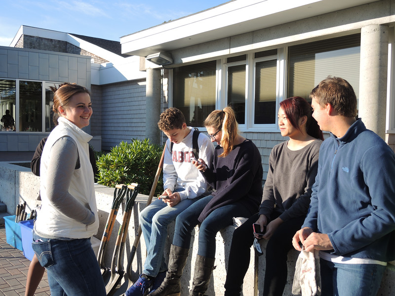Then, on Wednesday, we got up and put our work clothes on, met our advisee groups and headed out on assignment all across the southcoast area to help our service partners for a morning of service.