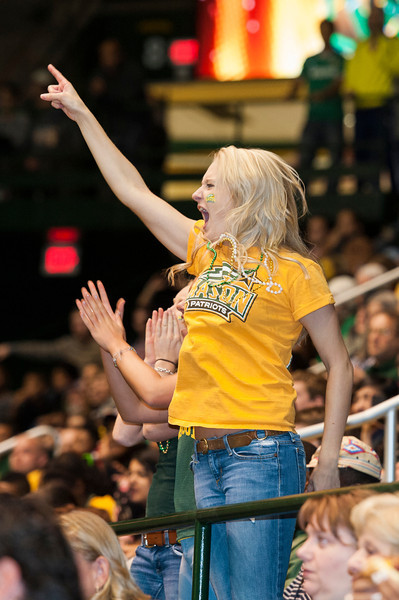 Students cheer at Mason Madness at the Patriot Center. Photo by Alexis Glenn/Creative Services/George Mason University