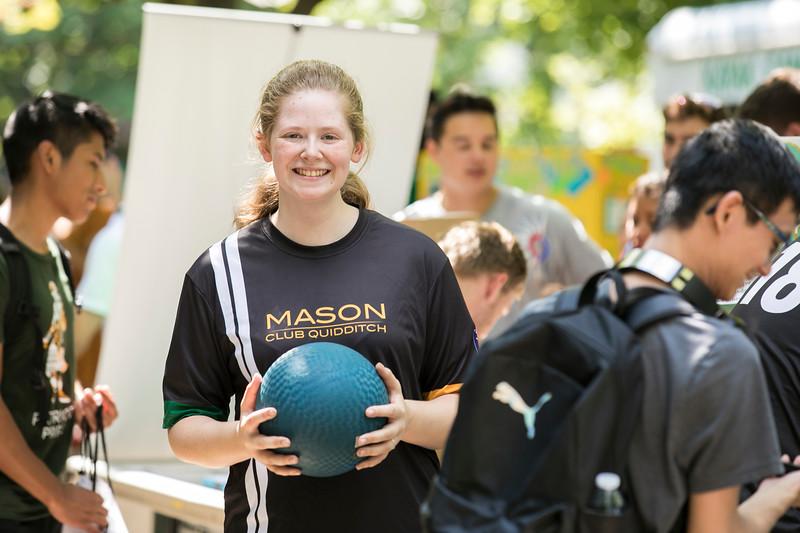 Get Connected fair at Fairfax campus.  Photo by:  Ron Aira/Creative Services/George Mason University