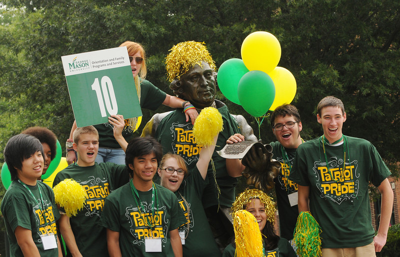 110721503e - Orientation students. Photo by Evan Cantwell.