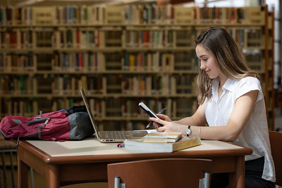 Viktoria Studying Finals-4957