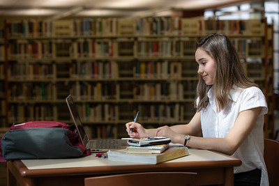 Viktoria Studying Finals-4947
