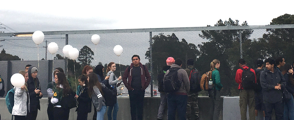 . Harbor High School students gather on the La Fonda Avenue overpass during a morning walkout from classes to protest gun violence Wednesday. (Sally Loutfi/contributed)