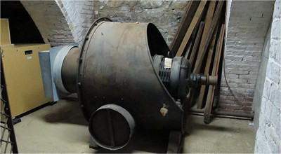 Old Wind Generator (from 1920 -- in service for more than 80 years)