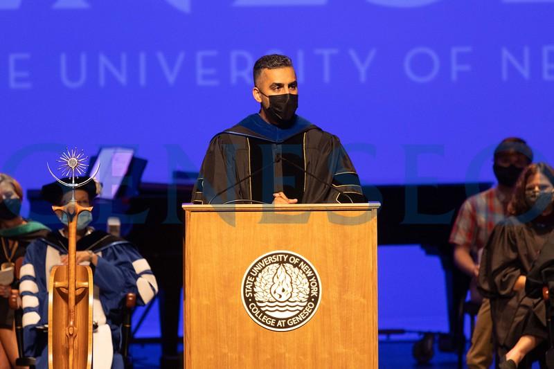 Waleed Mahmood '07 delivers alumni greetings to the class of 2025
