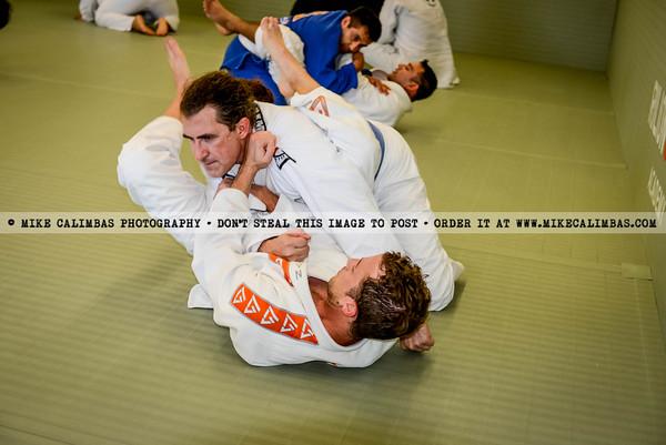 RENZO GRACIE - Instructors : Renzo Gracie Jiu Jitsu Academy