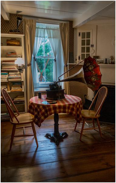 Hurley NY Stone House Day Gramophone Ten Eyck House July 2016