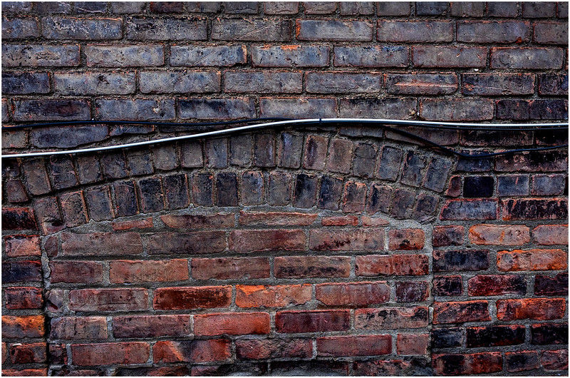 Troy NY Back Alley 17 Brick Cable and Lintel January 2017
