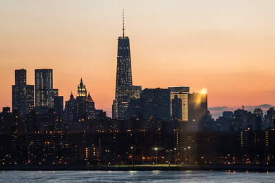 Battling Lights: Manhattan vs Sunset