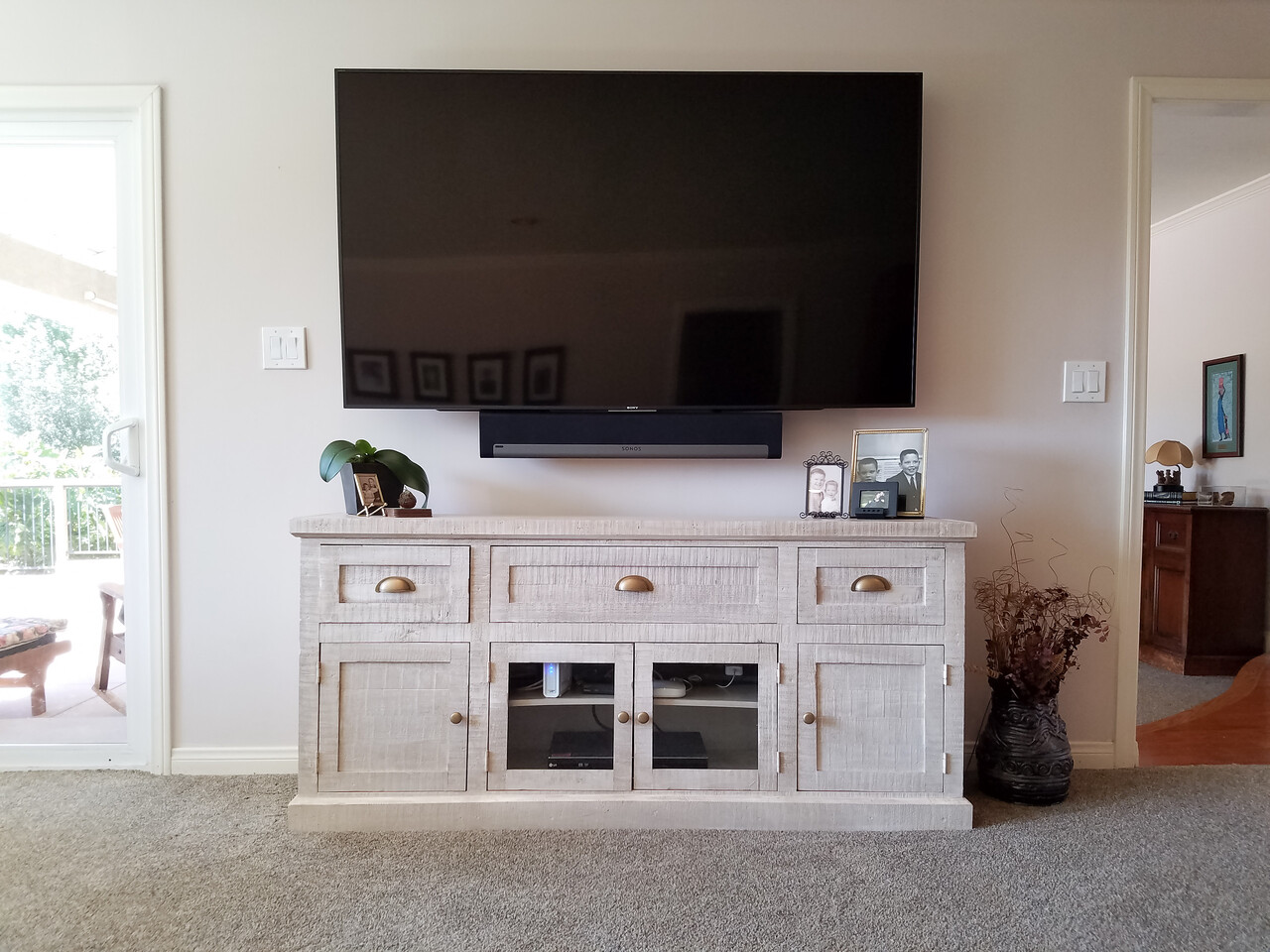 12 - 09-25-2017 Presentation Room TV Wall