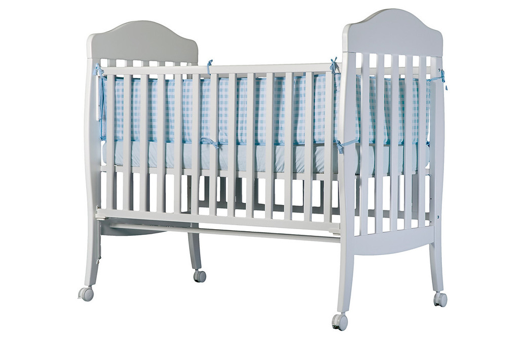 צילום מוצר: מיטת תינוק. צולם עבור שילב
