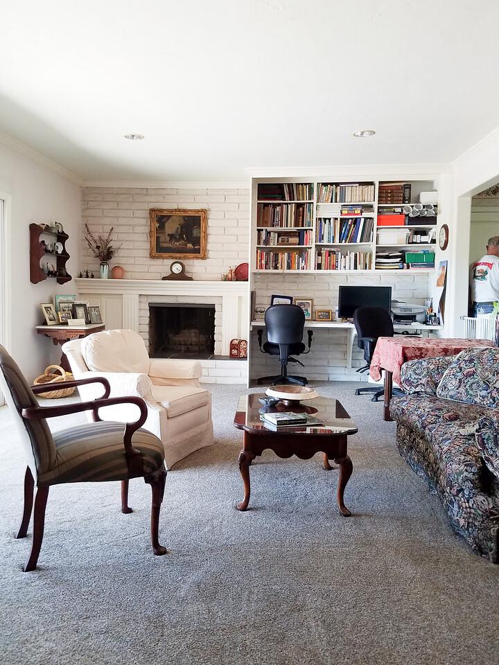 8 - 09-25-2017 Living Room Length