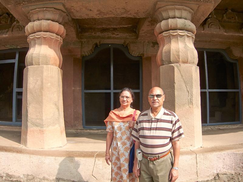 AmazingIndia_2011-01-02_01-21-31_Canon PowerShot S90_IMG_1512_©StudioXEPHON2011_C1P