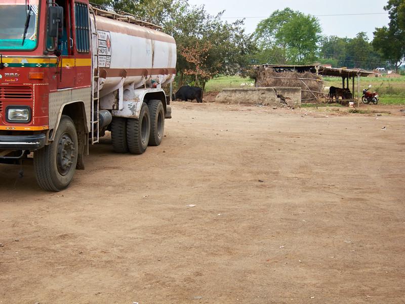 AmazingIndia_2010-12-31_03-17-28_Canon PowerShot S90_IMG_1377_©StudioXEPHON2010_C1P