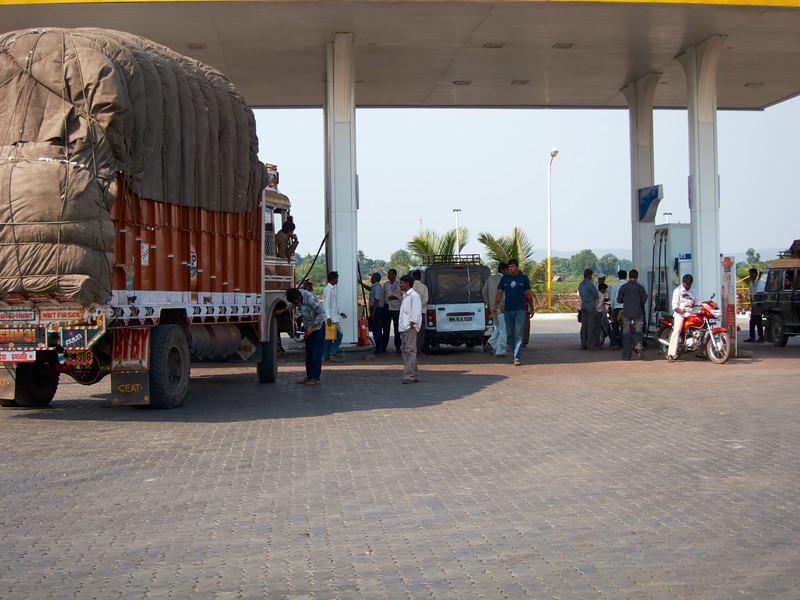 AmazingIndia_2010-12-31_02-00-21_Canon PowerShot S90_IMG_1373_©StudioXEPHON2010_C1P