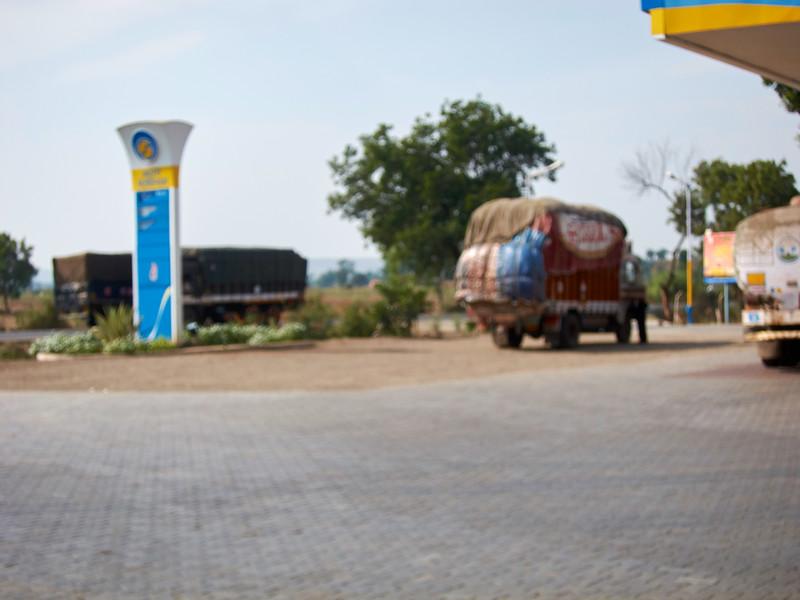 AmazingIndia_2010-12-31_02-00-40_Canon PowerShot S90_IMG_1374_©StudioXEPHON2010_C1P