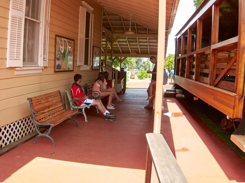 Kauai_2011-07-06_13-00-20_Canon PowerShot S90_IMG_2149_©StudioXEPHON2011_C1P