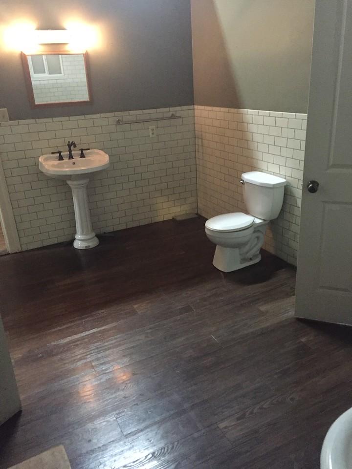 Studio House Bathroom View # 2