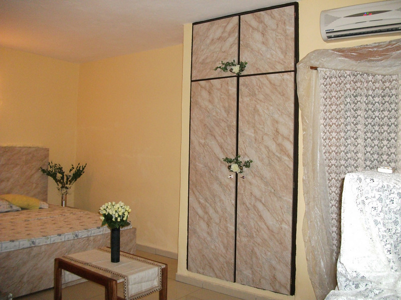 Studios meublés et climatisés 26000F CFA par jour - 42 Euros par jour<br /> Furnished studios with air conditioning 26000F CFA per day - 42 Euros par jour