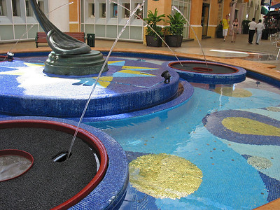 Mall fountain in Cancun, Mexico