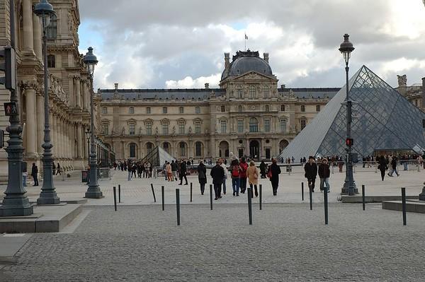 2004-12-28 De palais royal aux champs elysées