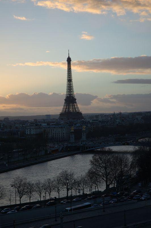 La tour Eiffel vue depuis la grande roue de la concorde.